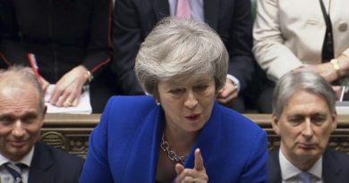 May supera moción de censura tras fracaso en salida de Brexit