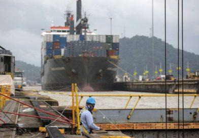 Canal de Panamá bate récord de tonelaje pese a disputa entre EE.UU. y China