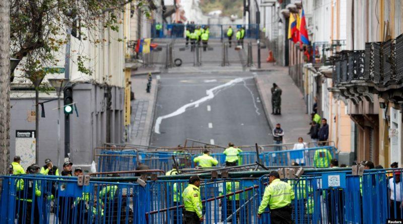 Ecuador: Presidente Moreno evade ofensiva, pero aún enfrenta dura batalla